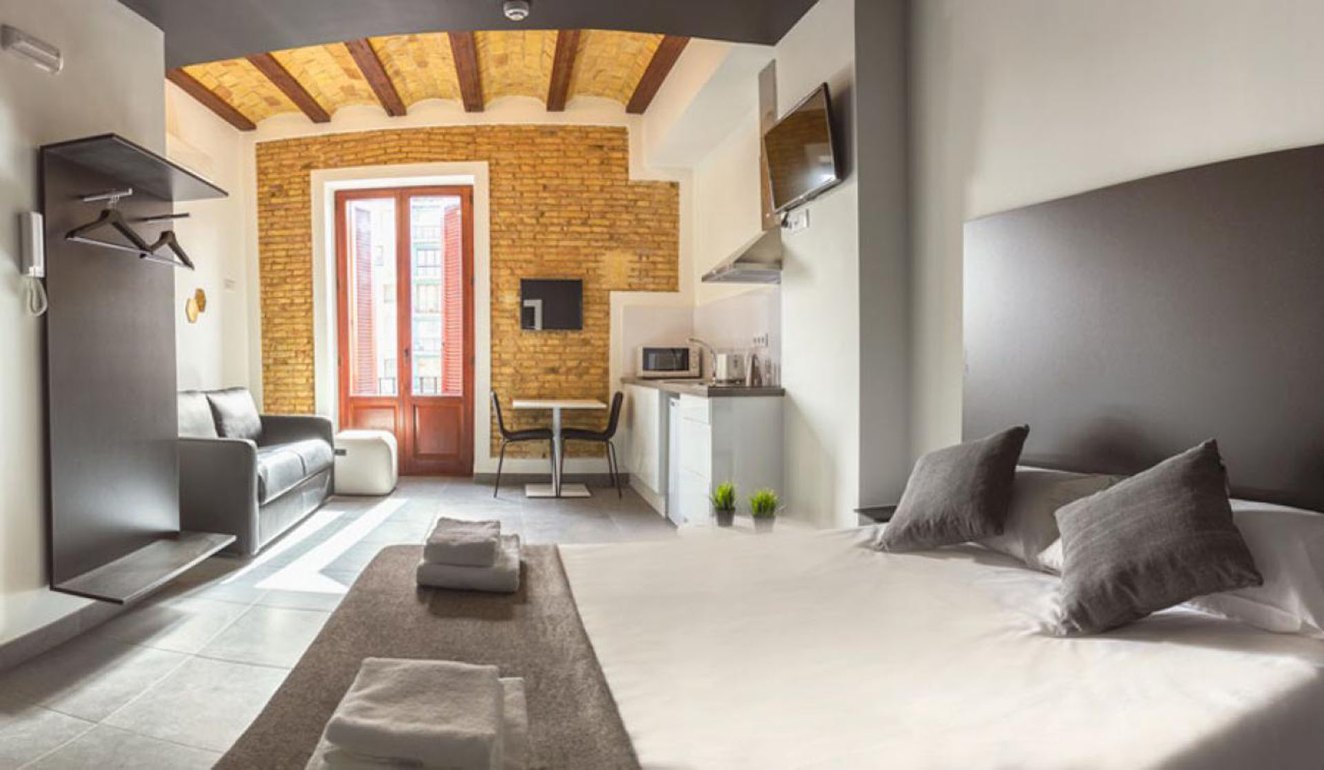 Studio Apartment Mini In Valencia Gran Via Germanias 32